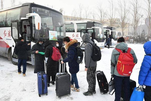 Kinh nghiệm phân luồng sinh viên nghỉ tết trong mùa di chuyển cao điểm ở TQ