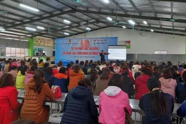 Tư vấn pháp luật lao động cho 1.000 công nhân Công ty TNHH May mặc xuất khẩu Appareltech Vĩnh Lộc