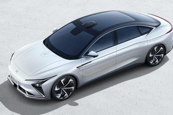 Alibaba ra mắt mẫu xe ô tô điện đầu tiên liên doanh với hãng xe SAIC
