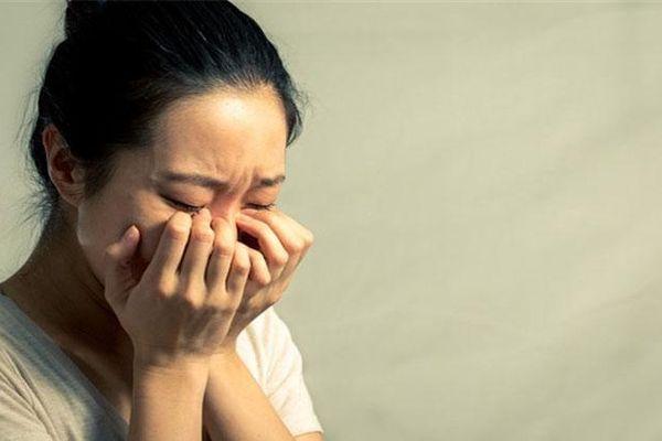 Anh chồng đăng ảnh vợ khóc ròng vì không được ăn Tết nhà ngoại, dân mạng nổ ra tranh cãi nảy lửa