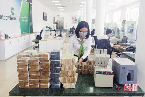 Tiền lẻ cuối năm: Hệ thống ngân hàng Hà Tĩnh đáp ứng nhu cầu thanh toán, chi trả cho khách hàng