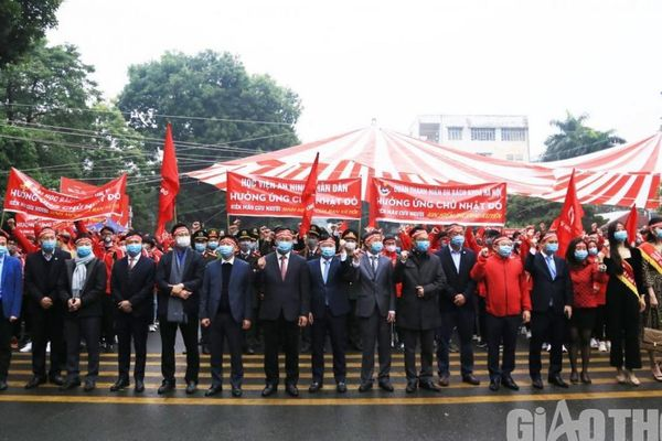 Hàng nghìn bạn trẻ Thủ đô hào hứng với Chủ nhật Đỏ - Hiến máu cứu người