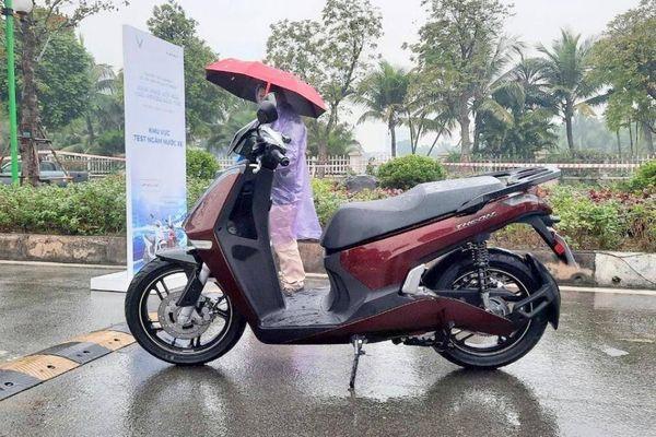 VinFast ra mắt xe máy điện mới, giá cao hơn Honda SH