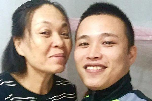 Cảm động tình nghĩa vợ chồng của cặp đôi 'cô - cháu' chênh nhau 24 tuổi