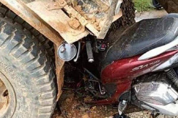 Xe máy đâm ô tô tải trên QL1 qua Quảng Trị, 2 người tử vong
