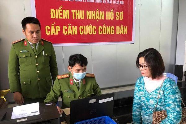 Đà Nẵng: 100 người dân đầu tiên được cấp thẻ căn cước công dân