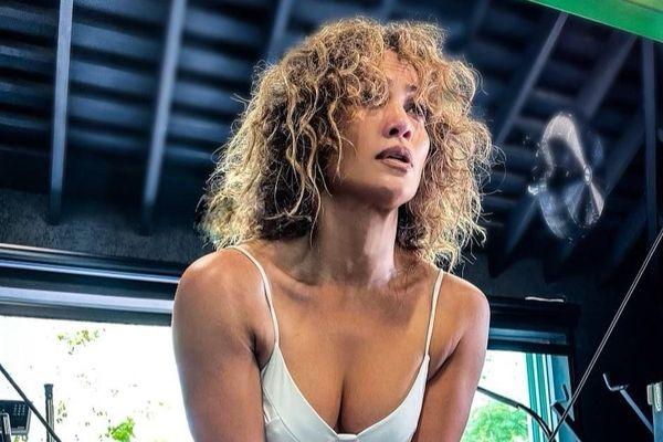 Jennifer Lopez lên tiếng khi bị nói tiêm botox đến đơ mặt