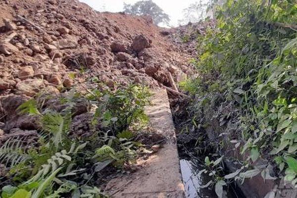 Thanh Hóa: Doanh nghiệp làm đường vùi lấp kênh mương