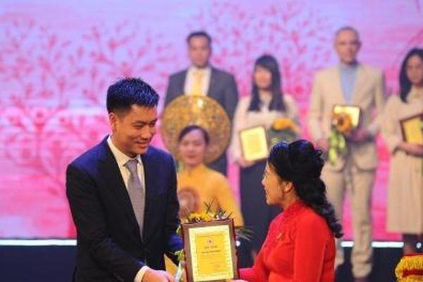 Bamboo Airways được Trung ương Hội Chữ thập đỏ vinh danh trong sự kiện 'Sức mạnh nhân đạo 2021'