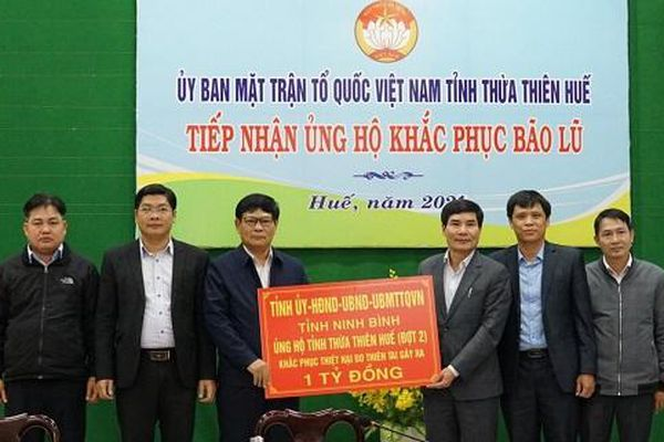Ninh Bình ủng hộ Thừa Thiên Huế 1 tỷ đồng khắc phục hậu quả thiên tai