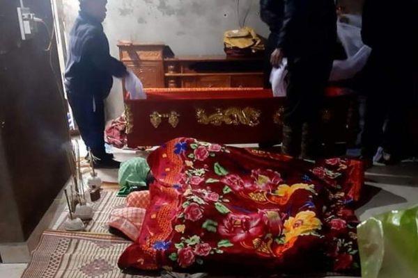 Vụ người cha nghi sát hại hai con nhỏ rồi tự tử: Chồng cắt tóc vợ vì đi qua đêm không về nhà