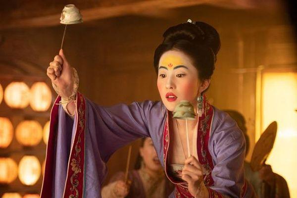 Chuyện lạ 2021: Đơ như Lưu Diệc Phi cũng đi tranh giải Oscar, khán giả 'cười cả đêm'