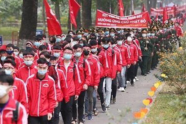 'Chủ nhật Đỏ' thu hút hàng nghìn người tới hiến máu