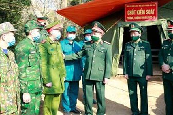 Đoàn công tác Bộ Quốc phòng thăm, kiểm tra và chúc tết tại Lạng Sơn