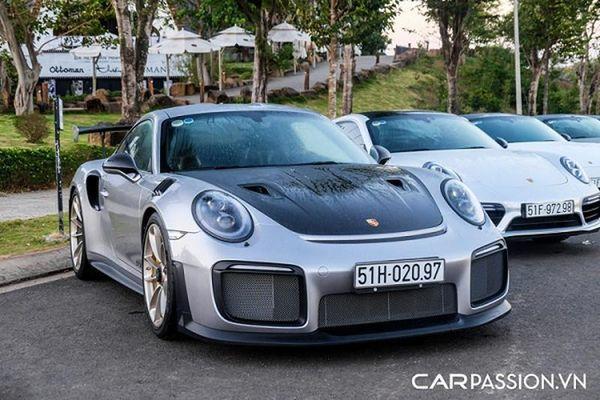 Porsche 911 GT2 RS của ông Đặng Lê Nguyên Vũ mới chạy 19 km