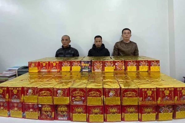Bắt giữ đối tượng vận chuyển 250kg pháo nổ về Hà Nội