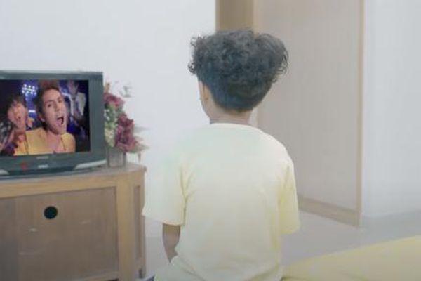 'Em là chàng trai của anh': Ông Cao Thắng bất ngờ làm cameo trong web-drama của 'gà cưng'