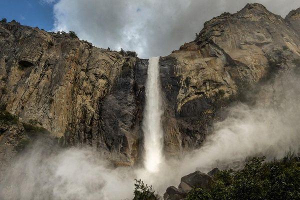 Khám phá ngọn thác cao nhất Bắc Mỹ