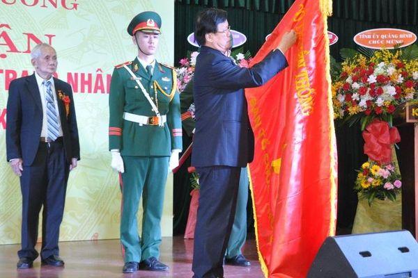Ban Tổ chức Khu ủy Khu 5 đón nhận danh hiệu Anh hùng Lực lượng vũ trang nhân dân