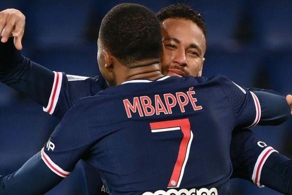 Chuyển nhượng cầu thủ hôm nay: Chỉ PSG đủ khả năng trả lương cho Kylian Mbappe và Neymar; Salah muốn ở lại Liverpool lâu dài