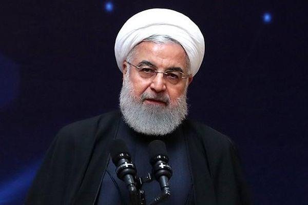 Iran đưa ông Trump vào danh sách trừng phạt, nói bóng 'đang trên sân Mỹ'