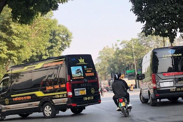 Bất lực xử xe dù, bến cóc ở Hà Nội?