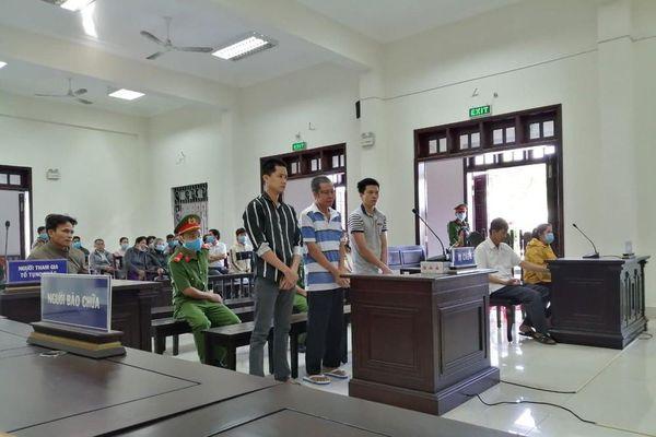 2 người thương vong do tranh chấp mương nước, 3 cha con lãnh án tù