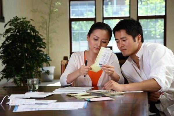 Emdep Confession: Tết đến, chồng bảo gửi biếu bố mẹ vợ 8 triệu, bố mẹ chồng 5 triệu và lý do khiến tôi ấm lòng