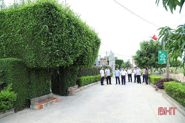 Hà Tĩnh thưởng 4 tỷ đồng cho 2 xã đạt chuẩn nông thôn mới kiểu mẫu