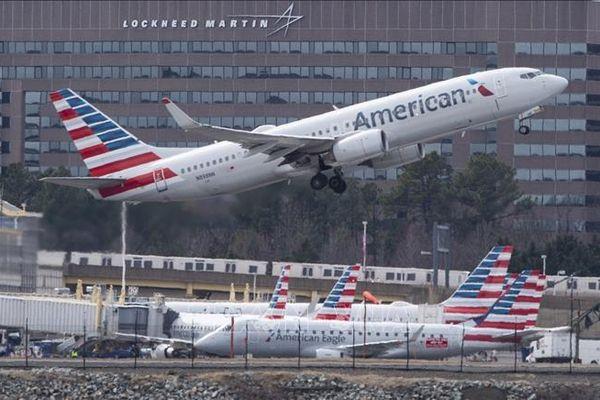Giá vé máy bay ở Mỹ rớt xuống thấp nhất trong vòng 2 thập kỷ