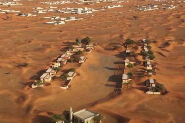Từng là thị trấn xa hoa nhất Dubai nhưng nơi này giờ đã bị chôn vùi trong cát