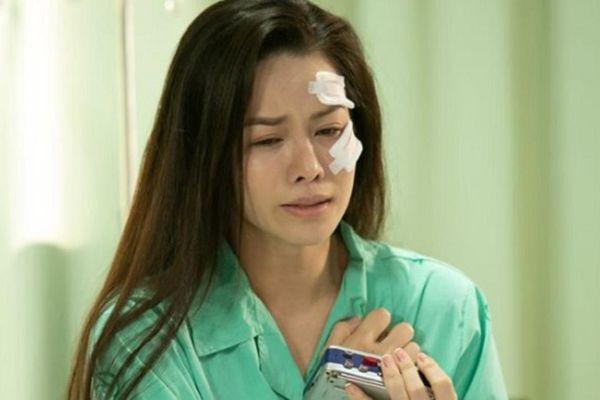 Nhật Kim Anh bị xe đụng lúc quay phim