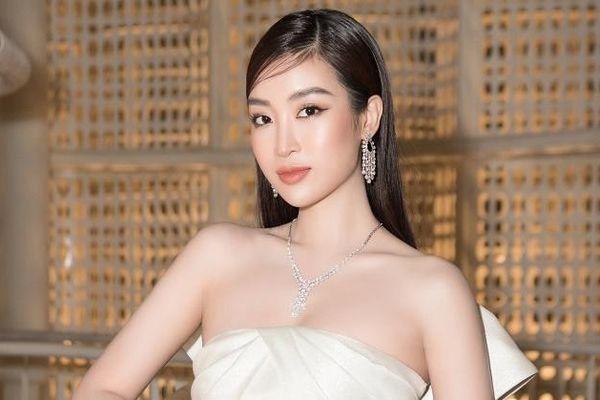 Hoa hậu Đỗ Mỹ Linh đeo trang sức hơn 20 tỷ đồng đi sự kiện