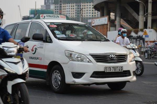 Hãng taxi Vinasun lỗ 210 tỷ đồng