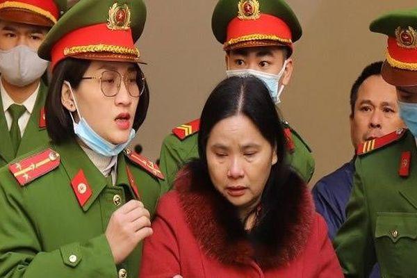 Tòa triệu tập hàng loạt cán bộ hải quan liên quan đến vụ án Cty Hào Hùng chiếm đoạt 34 tỷ đồng hoàn thuế