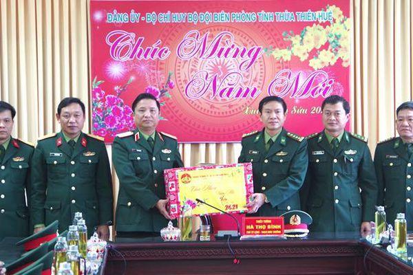 Bộ Tư lệnh Quân khu 4 thăm, chúc Tết BĐBP Thừa Thiên Huế