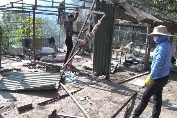 Tiếp tục tháo dỡ loạt công trình xây dưng trái phép tại Tam Đảo