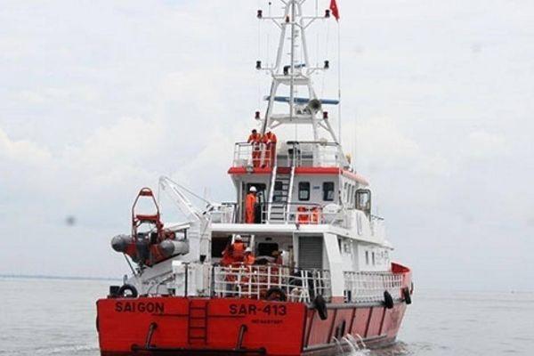 Quần thảo trên 100 hải lý tìm kiếm 7 thuyền viên mất tích ở Côn Đảo