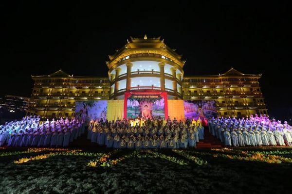 Thiêng liêng lễ cầu nguyện quốc thái dân an mừng ngày Phật thành đạo