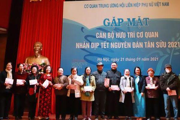 Gặp mặt cán bộ hưu trí cơ quan TW Hội LHPN Việt Nam dịp Xuân Tân Sửu 2021