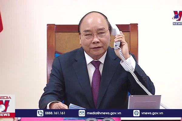 Thủ tướng Nguyễn Xuân Phúc điện đàm với Thủ tướng Australia