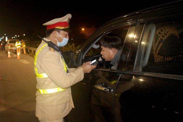 Bắc Ninh: 'Ma men' ngoại quốc đối phó cũng không thoát