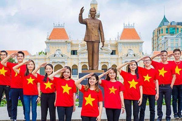 Cần quan tâm thích đáng giáo dục bản lĩnh chính trị thế hệ trẻ