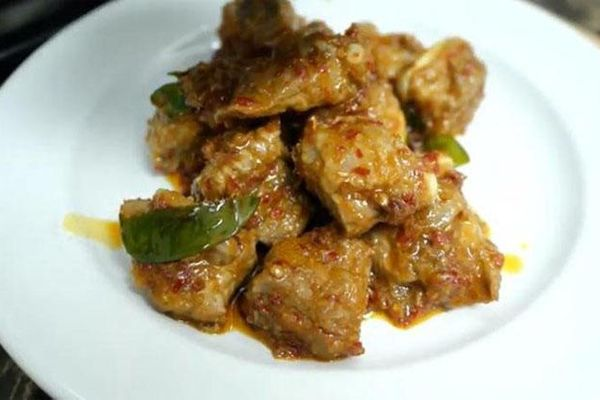 Đổi vị cho món sườn với công thức sườn non xào sả ớt kiểu Thái, thơm đượm lòng người