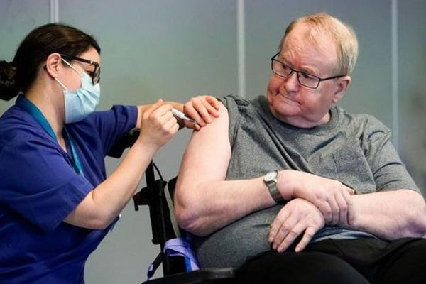 WHO khẳng định vaccine Pfizer an toàn sau nhiều ca tử vong ở Na Uy