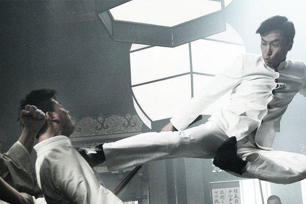Sức mạnh khủng khiếp của Chân Tử Đan khi ra đòn bằng chân