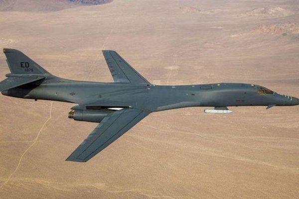 Mỹ điều cùng lúc 4 oanh tạc cơ siêu thanh tới sát biên giới Nga
