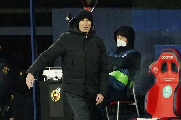 HLV Zidane mắc COVID-19