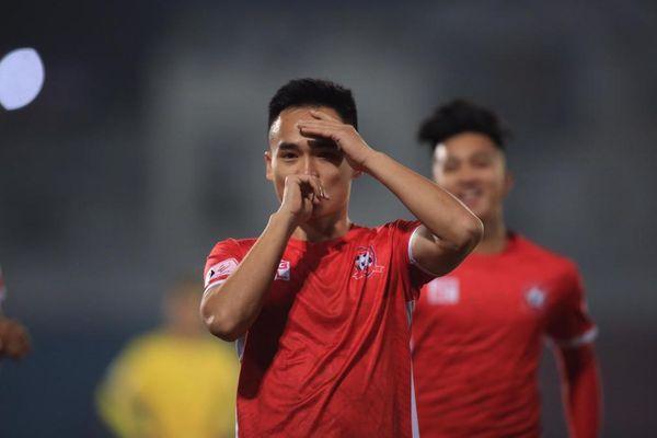 Hải Phòng lên ngôi đầu V-League 2021 sau hai chiến thắng liên tiếp