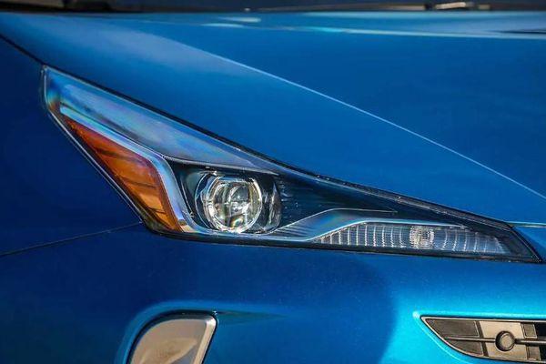 Top 10 xe gắn bó với người dùng ít nhất 15 năm: Xe Toyota 'bất bại'